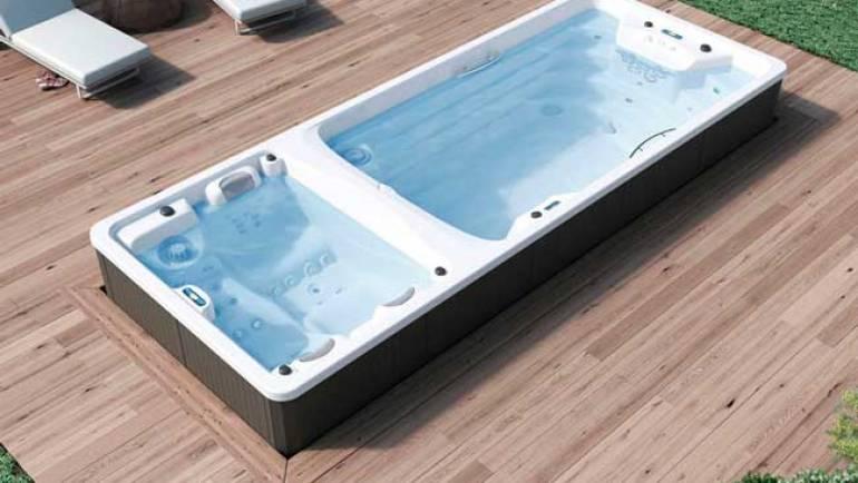 Piscina per terrazza: nuotare o rilassarsi?